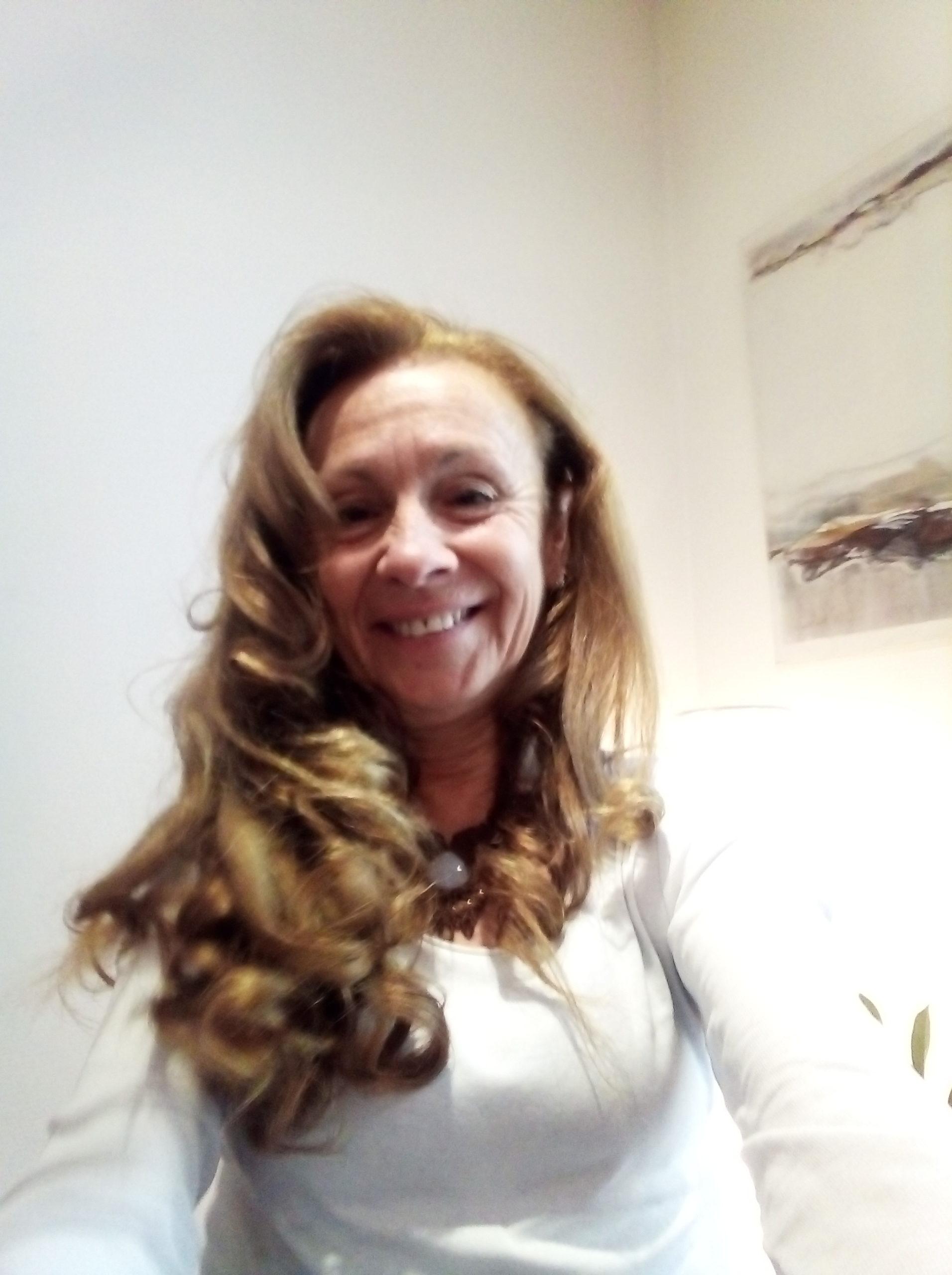 """Martine Scalzotto """"Accompagner et Transmettre"""" Sophrologue Praticienne et Formatrice en massage et soins énergétiques vibratoires"""